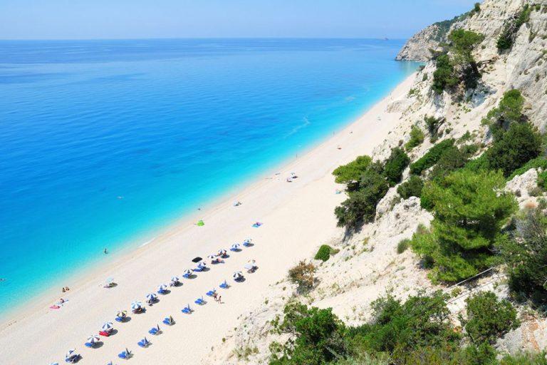 Κορωνοϊός: Τρεις ελληνικές παραλίες στις 13 ασφαλέστερες της Ευρώπης